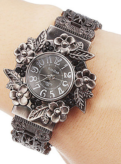 Women's Carved Steel Bracelet Watch